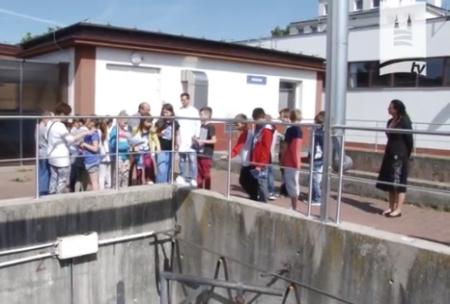 """""""Woda Twoim Przyjacielem"""" – edukacja ekologiczna w skarżyskich wodociągach"""